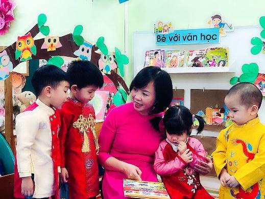 Cô Thanh Huyền trường Việt Triều