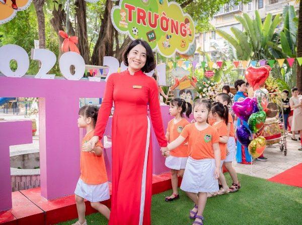 Cô Hoa Lê trường Việt Triều