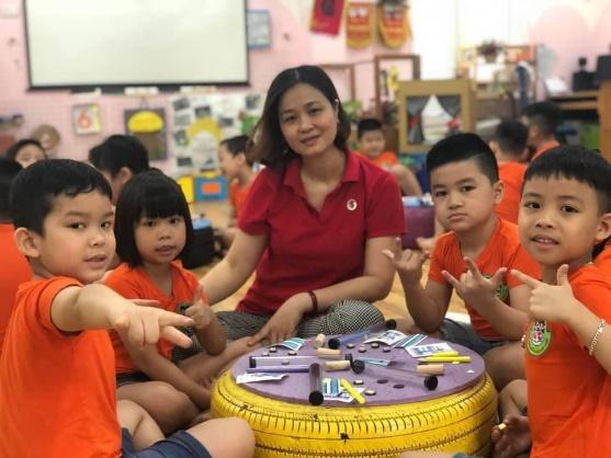 Cô Nhị Giang trường Việt Triều